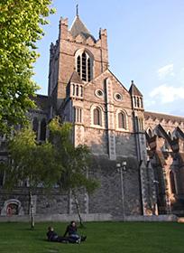 市内で最も古い建築物とされるクライストチャーチ大聖堂