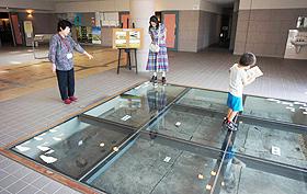 埋蔵文化財センターでは弥生人の足跡を展示=青森県田舎館村で