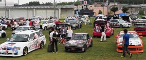 2014年の萌車イベントの様子(萌車オフin伊賀上野実行委員会提供)