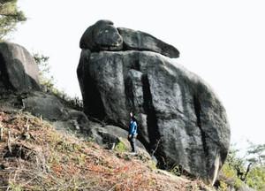 12年ぶりにお目見えしたうさぎ岩=瑞浪市陶町で