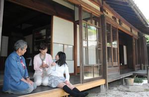 茶店として一般開放される旧湊屋文右衛門邸=一宮市起で