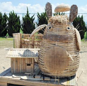台座部門かがし大将に選ばれた「ととろと竹細工」=坂井市の坂井グラウンドで