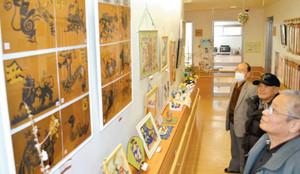 安田君の近作を紹介する作品展=湖西市ふれあい交流館で