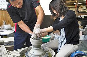 越中三助焼窯元で陶芸体験