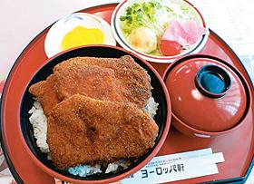 ソースカツ丼セット=いずれも福井県敦賀市で