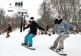 施設の一部をリニューアルして今シーズンの営業を始めた野沢温泉スキー場