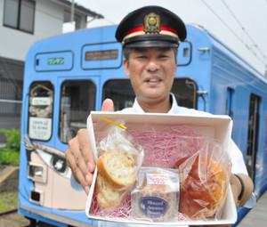 甘いもんとれいんで提供されるパンやラスク=三重県伊賀市内で