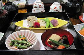 「しょうざんリゾート京都」の会席料理=いずれも京都市で