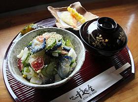 涼しげな見た目の大和つけもの丼=いずれも奈良県橿原市今井町で