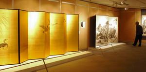 川合玉堂らの迫力ある水墨画作品が並ぶ企画展=滑川市博物館で