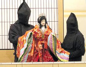 郷土芸能の淡路人形浄瑠璃=いずれも兵庫県南あわじ市で