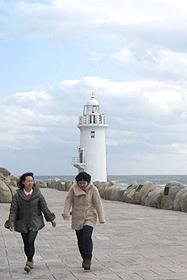 伊良湖岬灯台に続く遊歩道