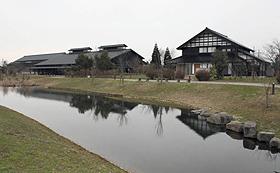 散居村ミュージアム=いずれも富山県砺波市で