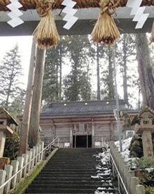 国の重要文化財に指定されている須波阿須疑神社の本殿