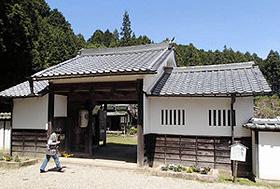 奈良県内では唯一の武家屋敷の遺構という旧柳生藩家老屋敷