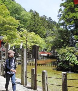 龍泉寺の第一水行場。境内には女性も入れる=いずれも奈良県天川村で