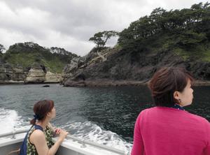 奇岩と素晴らしい景色が続く堂ケ島=静岡県西伊豆町で