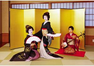 飯田の花街文化呼び起こしに協力する東京・品川の置き屋「まつ乃家」の芸者たち