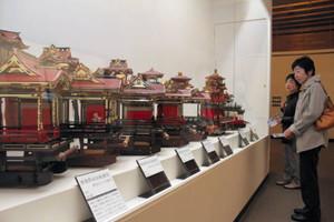 長浜にルーツがあるという岐阜県揖斐川町の曳山の模型=長浜市公園町で