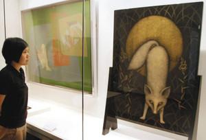 文化功労者の三谷吾一さんらの作品が並ぶ輪島沈金業組合創立100周年記念展=石川県輪島漆芸美術館で
