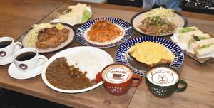 「喫茶山雅」で提供されるカレーライスやオムライス、コーヒーなどのメニュー=松本市の喫茶山雅で
