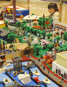 4月にオープンする「レゴランド・ジャパン」を模したジオラマ=岐阜市柳津町のカラフルタウン岐阜で
