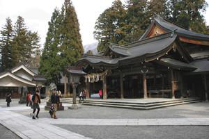 白山開山1300年を迎えて参拝者でにぎわう白山比め神社