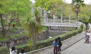 開園当初からあるライオン舎。今後どう使うかは未定だ=名古屋市千種区の東山動植物園で