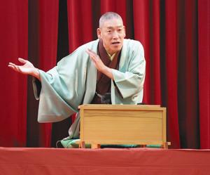 昨年10月の寄席に出演した桂九雀さん=大津市浜大津の旧大津公会堂で