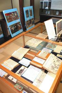 松尾芭蕉と木曽義仲や斎藤実盛に関する資料=加賀市山中温泉本町で