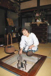 農家民宿を始める「旬膳くつろぎ」の島喜久子さん=中能登町末坂で