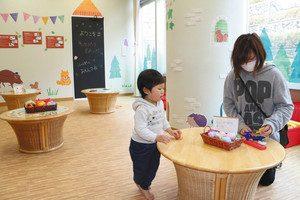 1階に新たにできた子ども向けの遊び場=敦賀市高野で