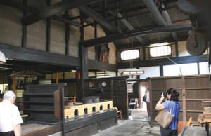 幕末の志士たちが出入りした角屋=いずれも京都市で