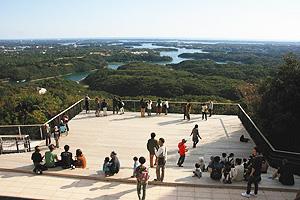 英虞湾の島々が一望できる横山展望台の天空カフェテラス