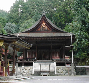 コンサートが開かれる日吉大社の東本宮拝殿=大津市坂本で