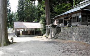 かつて人形座の舞台があった八幡神社=豊田市小田木町で