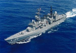 一般公開する海自護衛艦「はまぎり」(自衛隊福井地方協力本部提供)