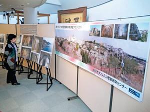 フレスコ壁画修復プロジェクトの歩みを紹介する成果報告展=金沢大資料館で