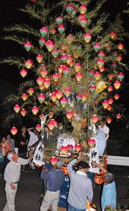 清水のチョウチン祭り=昨年