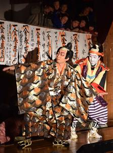 白雲座歌舞伎定期公演=昨年
