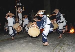 田峯(だみね)念仏踊り=昨年