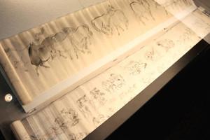 橋爪玉斎が紙に描いた馬図=伊那市創造館で