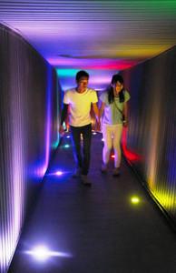 幻想的に照らされた愛深スポット=高山市丹生川町の飛騨大鍾乳洞で