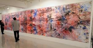 復興を祈願して描かれた全長10メートルの大作=名古屋市千種区の「5/RHall&Gallery」で