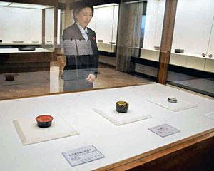人間国宝から新進気鋭の作家の作品が並ぶ「日本伝統漆芸展」=県輪島漆芸美術館で