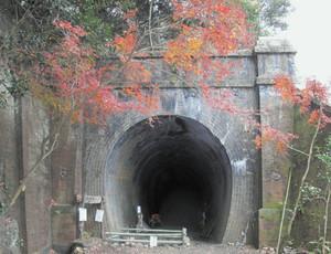 愛知県春日井市にある6号トンネル=再生委員会提供
