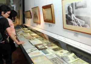 軽井沢高原文庫で開かれている「有島武郎と軽井沢展」