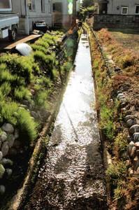 中世から残ると伝えられている水路=いずれも岐阜市内で
