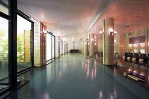 1日1組限定で貸し切りになる大浴場「大黒部」=黒部市宇奈月温泉で
