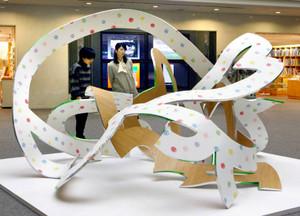 若手アーティストの作品が集まったアーツチャレンジ2011=名古屋市東区の愛知芸術文化センターで